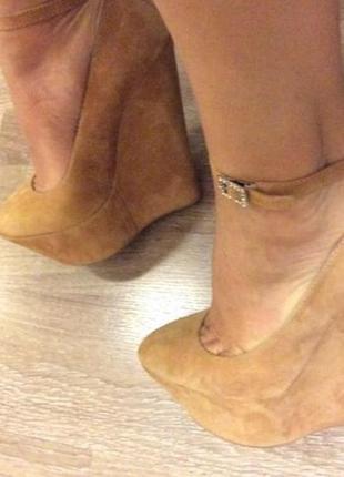 Шикарные туфли (босоножки) на высокой платформе