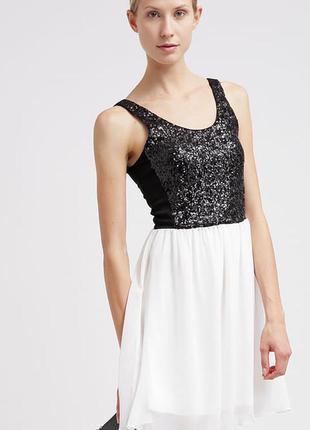 Очень красивое платье, расшитое пайетками, немецкого бренда even & odd.