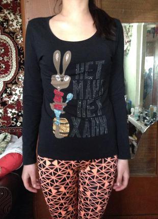 """Тоненький свитер с рисунком зайца из """"винни-пуха"""""""