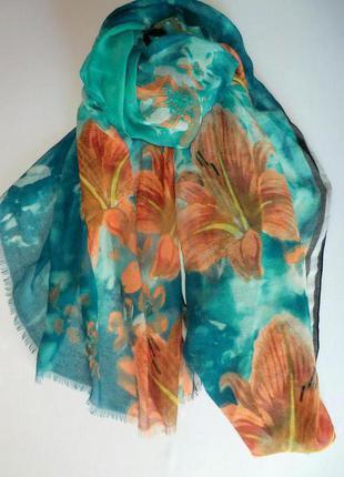 Неимоверно красивый весенне-летний шарф палантин из германии.