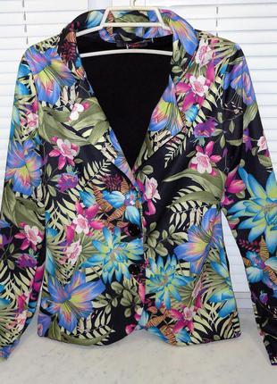 Продам яркий женский пиджак love label