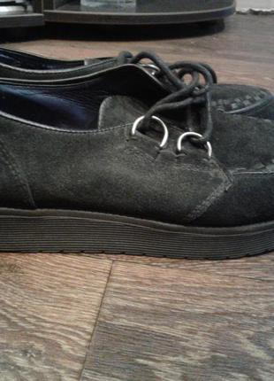Замшевые туфли фирмы catwalk