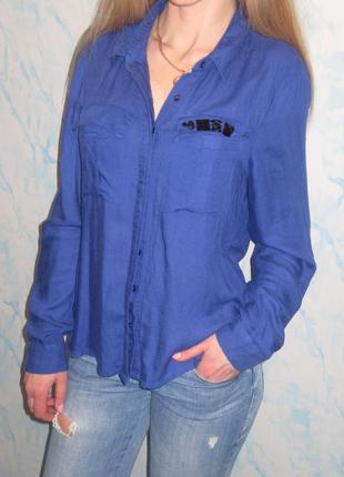 Вискозная рубашка с декорированим карманчиком