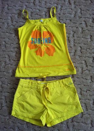 Яркий летний костюм termit
