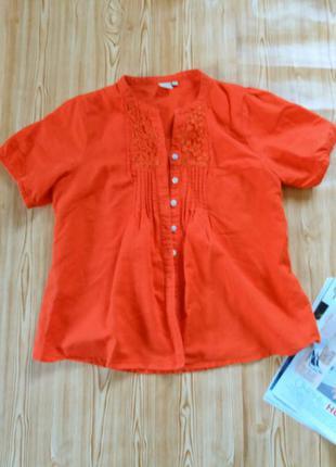 Оранжевая рубашечка из льна.