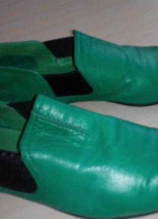 Стильные и яркие туфли