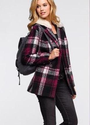 Гарне стильне пальто-бойфренд від бренду  rainbow collection