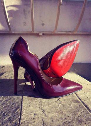 Женские туфли/туфли лодочки/высокий каблук/средний каблук/ туфли марсала/красная подошва