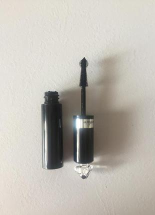Тушь черная guerlain la petite robe noire