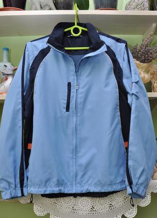 Легкая спортивная куртка tcm. р.38