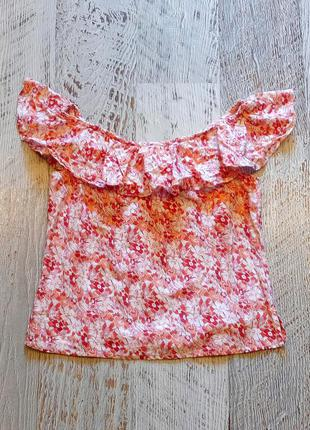 Яркая футболка, блуза, топ с цветочным принтом, с оборками и открытыми спущенными плечами