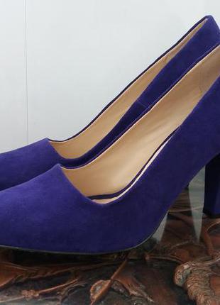 Яркие туфли лодочки