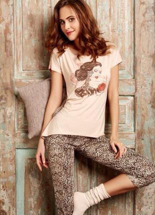 Комплект женский футболка+капри