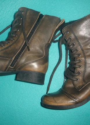 Фирменные (италия) кожаные демисезонные ботинки 37 размер