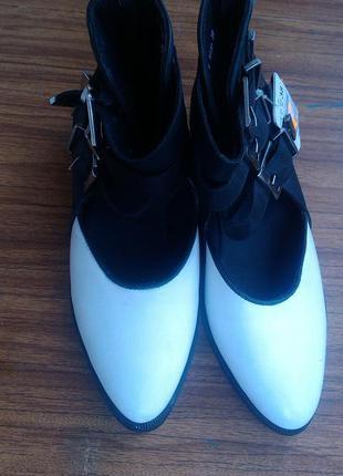 Кожаные черно-белые туфельки 38рр (24.5см)  reserved