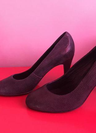 Шикарные темно-синие кожаные туфли от minelli 37pp
