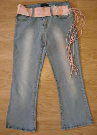 Укороченные джинсы капри