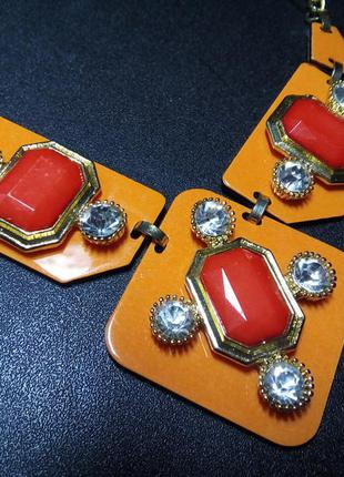 Яркое ожерелье, колье оранжевого цвета