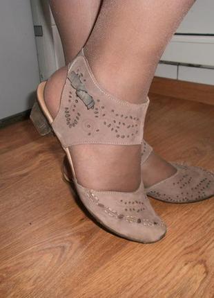 Классные туфли rieker 40 размер.