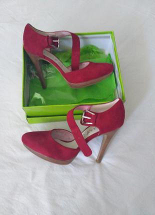 Туфлі blossem