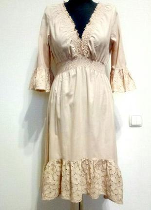 Нежное платье с прошвой