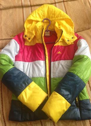 Демисезонная спортивная курточка adidas