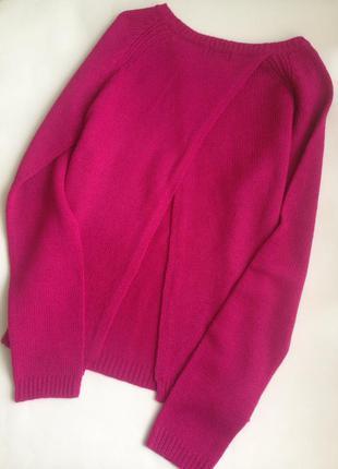 Малиновый свитерок с интересной спинкой