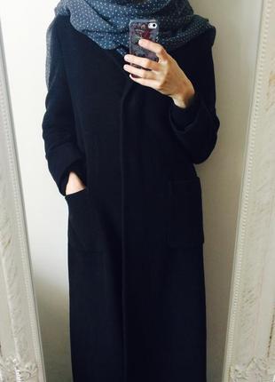 Красивое итальянское шерстяное прямое пальто ниже колена прямого кроя на 3 пуговицах шифт s m
