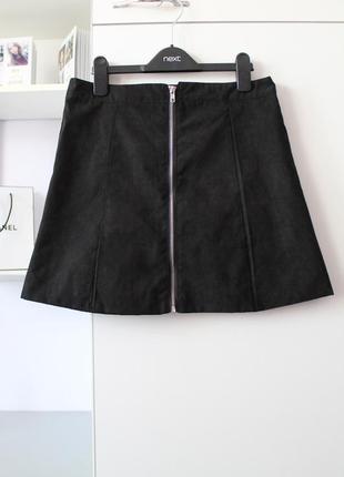 Очень крутая черная замшевая юбочка с замочном от alcott