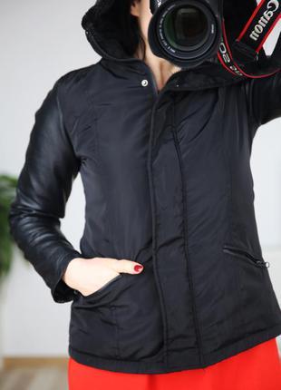 Куртка фирменная с кожаннными рукавами, осень-весна, р.s-m
