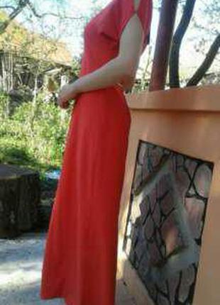 Новое силуетное платье в пол