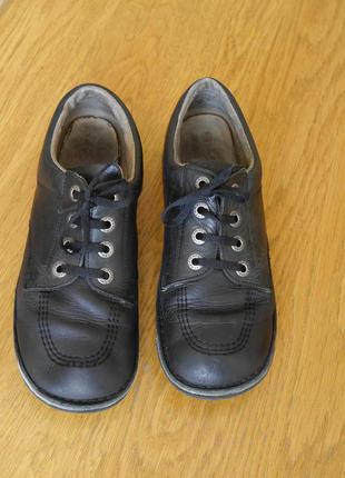 Туфлі шкіряні розмір 39 стелька 24,5 см kickers