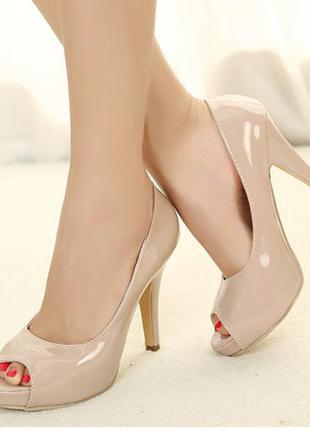 Туфли на высоком каблуке открытый носок