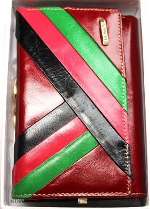 Кожаный кошелек , цвет марсала. 100% натуральная кожа внутри и снаружи , доставка бесплатно.