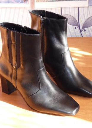 Новые original кожаные полусапожки marks & spencer wider fit размер eur 38 , uk 5