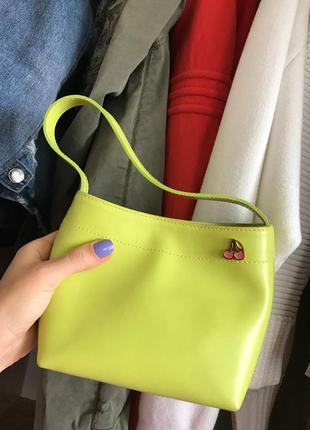 Маленькая сумка цвета лайм furla , оригинал