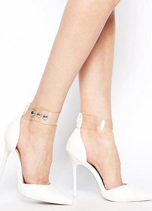 Туфли аsos белые на высоком каблуке р37,38,39