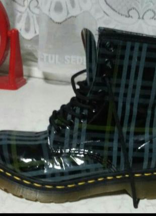 Оригинальные ботинки dr. martens . англия