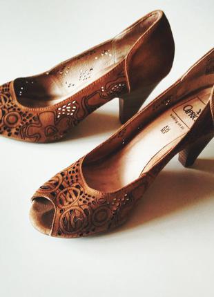 Красивые летние туфли caprice