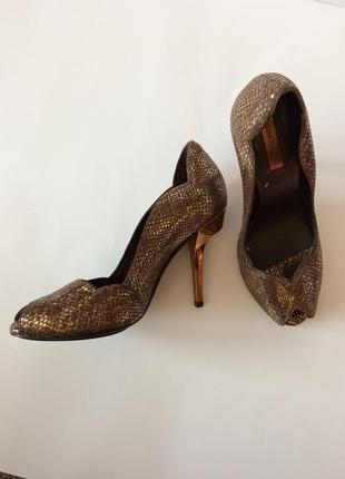 Роскошные туфли от bcbg max azria 100% натуральная кожа,привезенные из сша