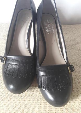 Кожаные актуальные туфли