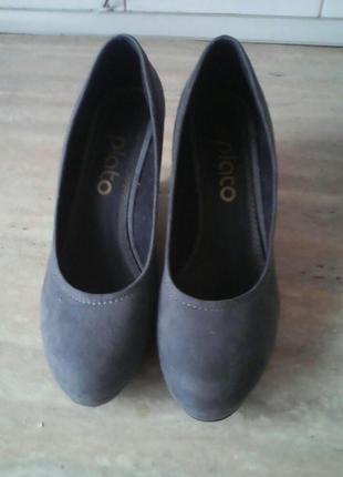 Красивые женские туфельки на платформе,размер 39-40