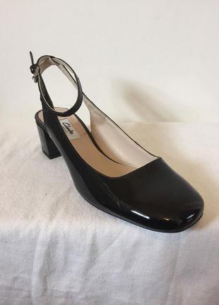 Clarks новые лаковые кожаные туфли размер 37, 38. 5, 39