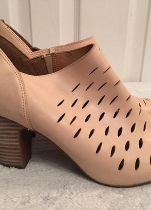 Clarks кожаные туфли босоножки размер 38. 5, 39, 40