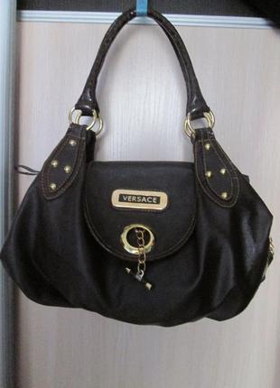 Вместительная сумка versace