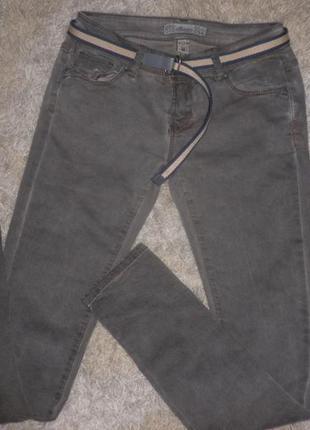 Суперские джинсы скини с эффектом потертости варенки от мондей