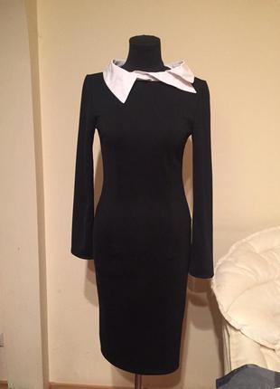 Строгое платье victoria beckham