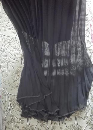 Красивая плиссерованная юбка с коротким подъюпником италия