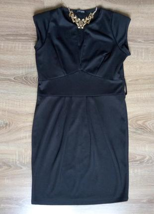 Черное платье с вырезом на выход  junker