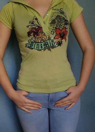 Салатовая футболка с капюшоном venus